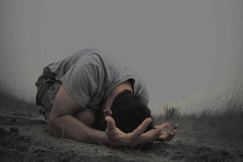 """""""Solo bastó un instante nada más...cuando me levanté, estaba totalmente libre"""" - La historia de salvación de Javier González"""