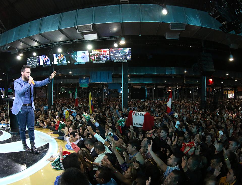 """Conferencia #1 Pastor Juan Sebastián Rodríguez - """"Investidos de Poder"""""""