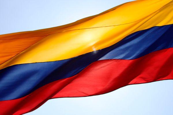 Avivamiento se viste de amarillo, azul y rojo por la paz